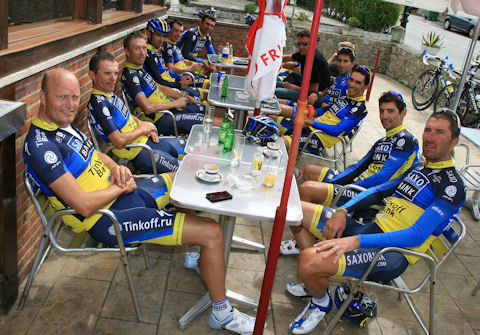 Contador and team hold a press conference on the second rest day of La Vuelta 2012