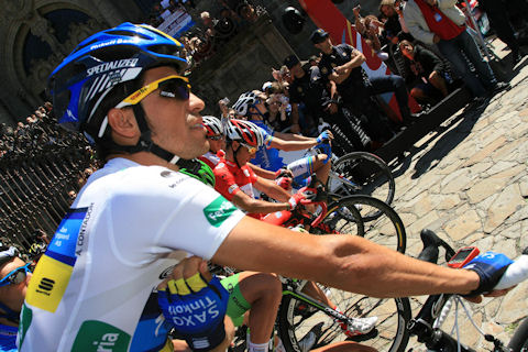 Contador at the start line of Vuelta Stage 13 in Santiago de Compostela
