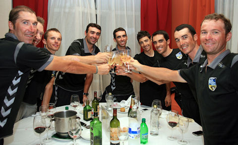 Celebration dinner after Stage 17