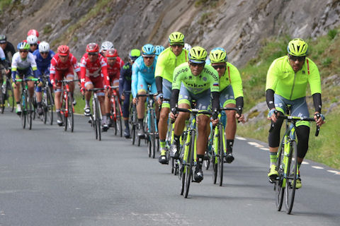 Tinkoff lead the pack in rainy Basque Country