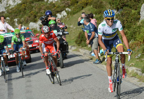 Contador attacked six times in the final kilometers to Lagos de Covadonga