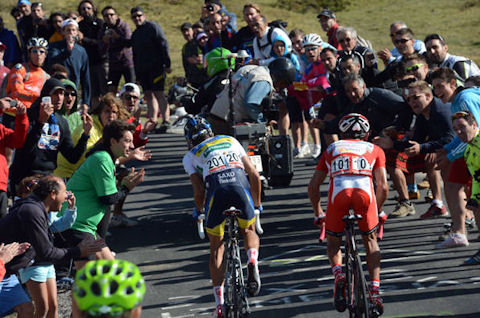 Contador and Purito duke it out on Cuitu Negru
